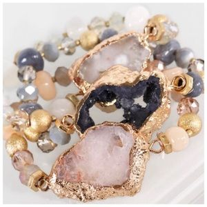 Jewelry - ✨SALE!✨NEW! CHIC RAW NATURAL BLUSH STONE BRACELET